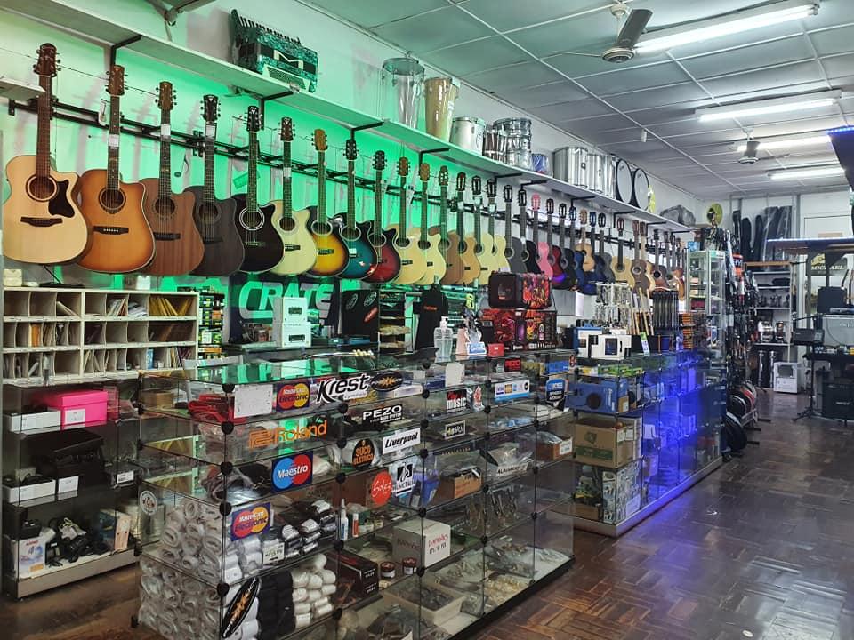 Musictália loja especializada em instrumentos musicais em Bento Gonçalves Áudio profissional iluminação e instalação de sistemas audiovisuais